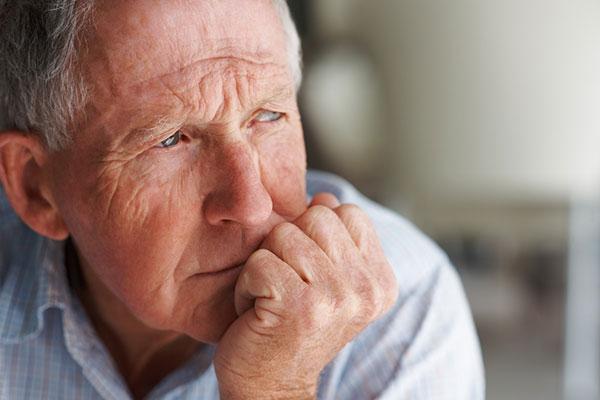 bệnh teo não ở người già 2