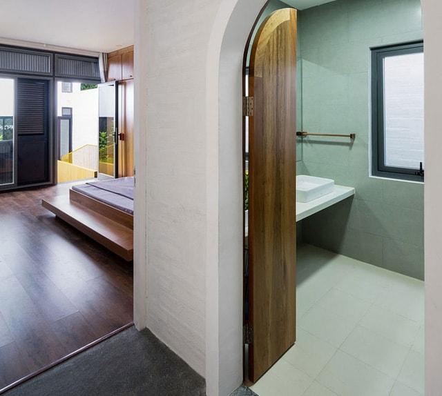 Nhà vệ sinh trong phòng ngủ giúp cuộc sống thêm tiện lợi
