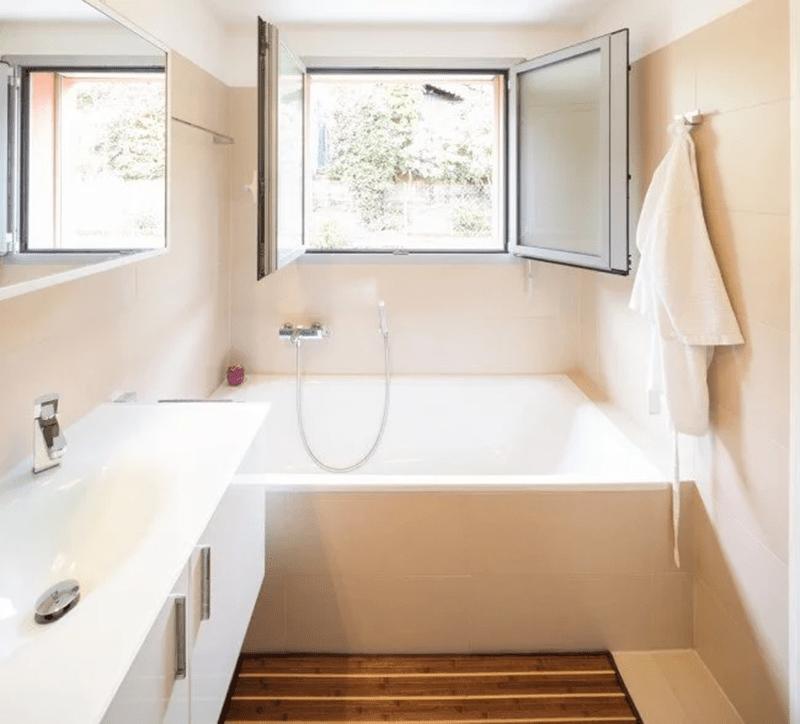 Nhà vệ sinh cho tuổi Ất Sửu nên có cửa sổ